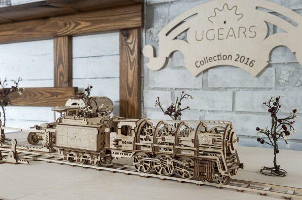 Ugears Steam Locomotive tender 01