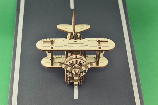 biplane_5_wooden_city