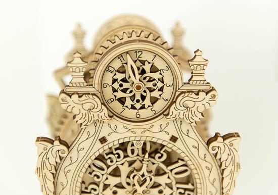magic_clock_2_woodencity