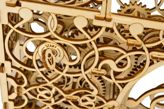mechanical_picture_3_wooden_city