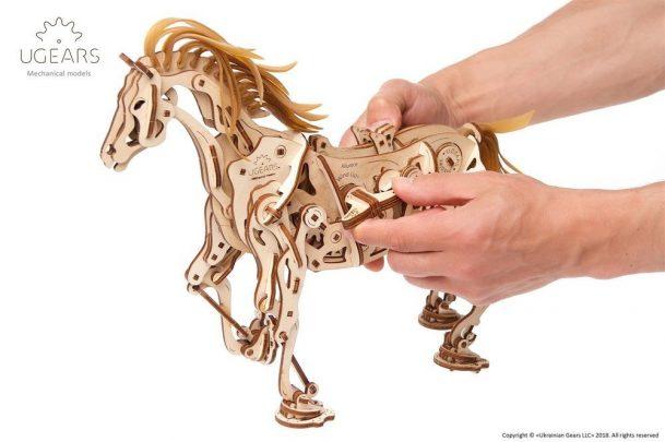 Ugears_Horse-Mechanoid_Model-Kit6-max-1000