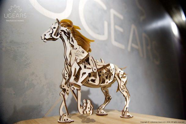 Ugears_Horse-Mechanoid_Model-Kit9-max-1000