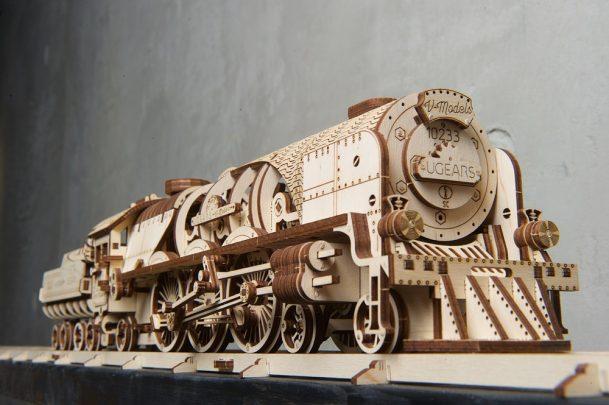 Ugears-V-Express火車