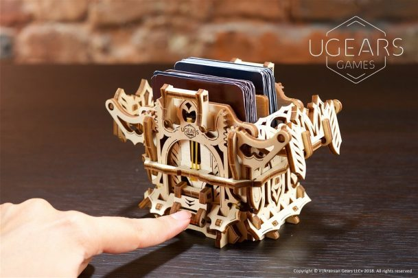 11-ugears-games-Deck-Box-max-1000