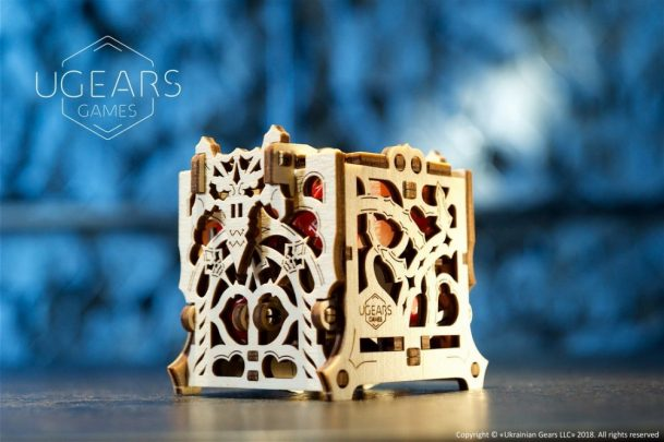 14-Ugears-Dice-Keeper-Mechanical-device-max-1000