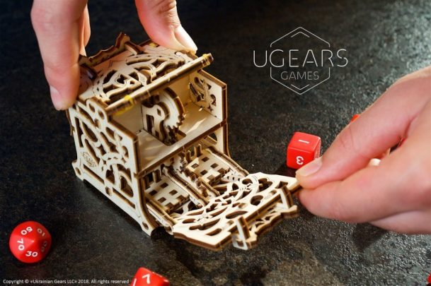 23-Ugears-Dice-Keeper-Mechanical-device-max-1000