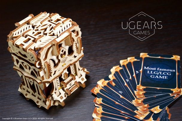 23-ugears-games-Deck-Box-max-1000