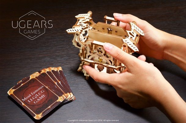 24-ugears-games-Deck-Box-max-1000