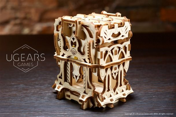 7-ugears-games-Deck-Box-max-1000