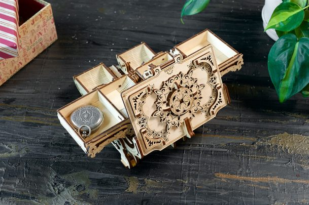 Ugears-Antique-Box-Mechanical-Model-1 (64)