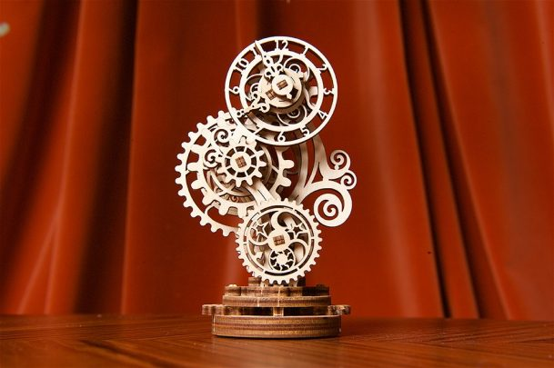 Ugears-Steampunk-Clock-Mechanical-Model_10-max-1000